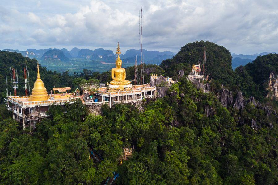 Thailand Krabi eiland strand Tiger Cave grot uitzichtpunt grote boedha tempel