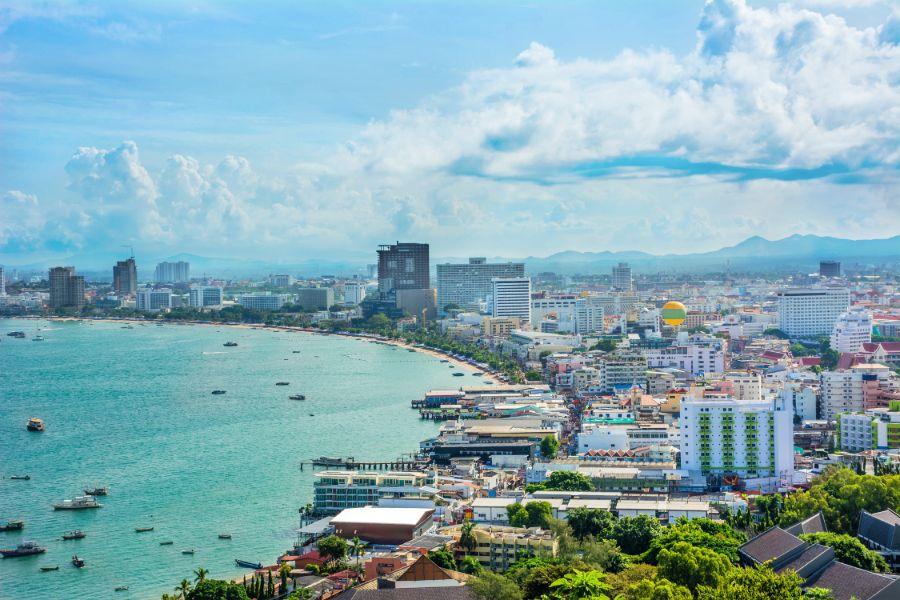 Thailand Pattaya uitzicht op strand boulevard hotels