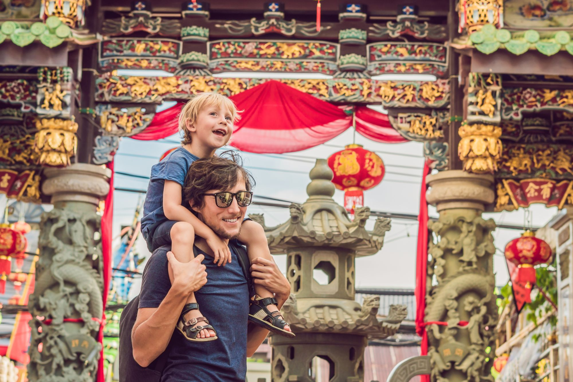 Thailand Phuket Vader en zoon op reis