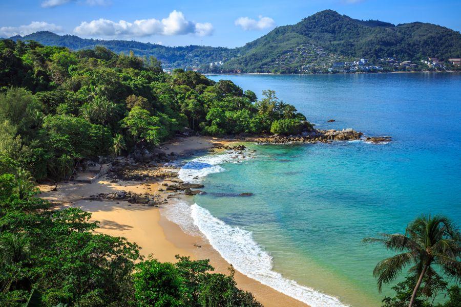Thailand Phuket eiland strand Laem Singh Beach bovenaanzicht