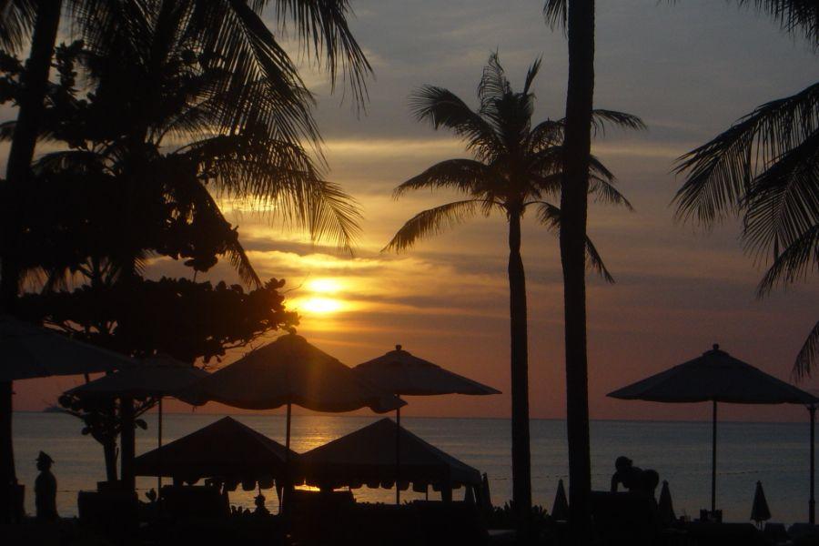 Thailand Phuket eiland strand zonsondergang palmbomen