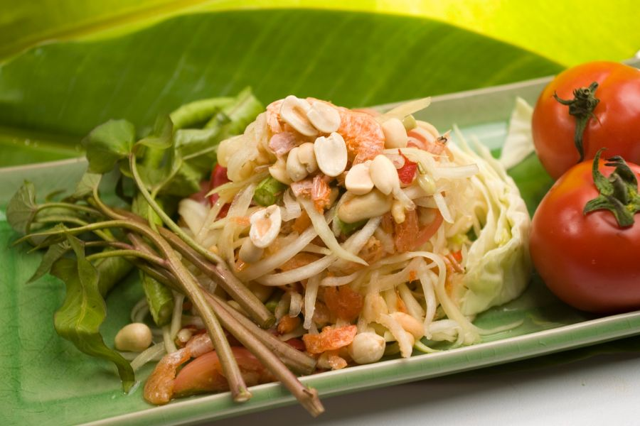 Thailand Thaise keuken eten Som Tam papayasalade