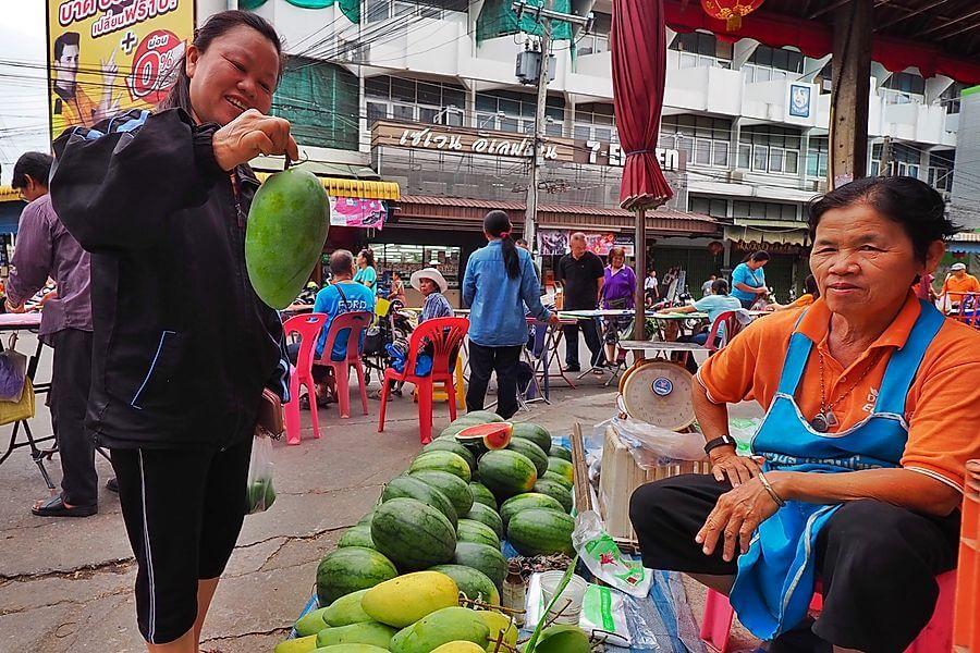 Thailand Tour Nan Ochtendmarkt verkoper markt