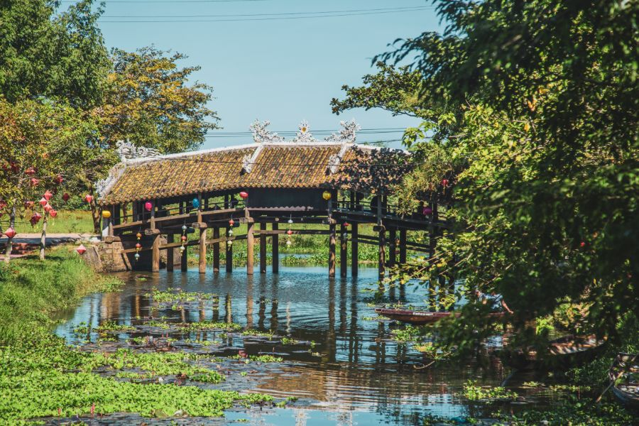 Vietnam Hue Thanh Toan Bridge