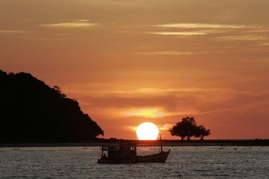 phuket thailand strand eiland zonsondergang