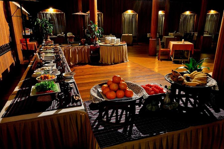 Hotel Myanmar Inle Lake Shwe Inn Tha Floating Resort17