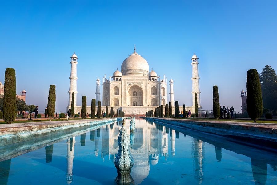 India Agra Taj Mahal met vijver