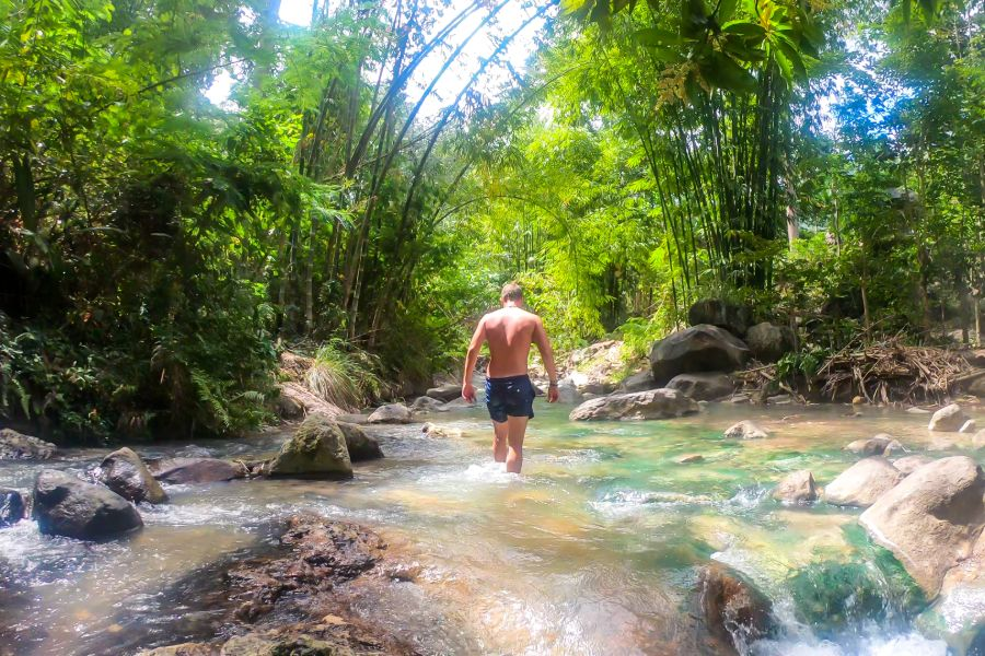 Indonesie Flores Natural Hot Springs of Soa Mangeruda Hot spring waterval toerist
