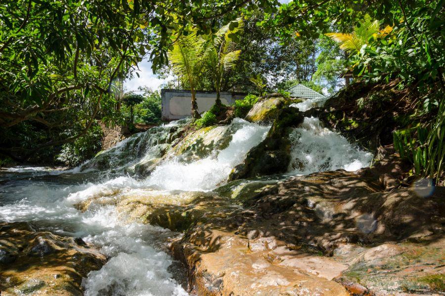 Indonesie Flores Natural Hot Springs of Soa Mangeruda Hot spring waterval