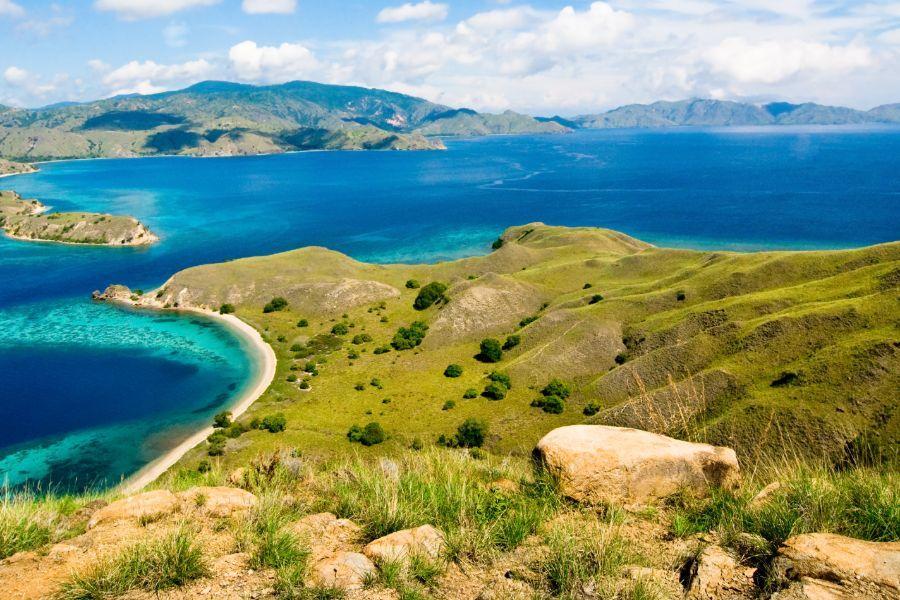 Indonesie Flores landschap zee eiland