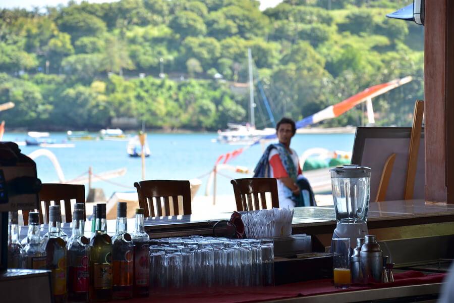 Indonesie Hotel Lombok Kila Senggigi Sunset Bar 03