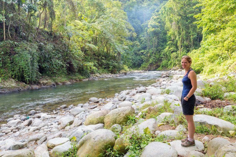 Indonesie Sumatra Bukit Lawang Gunung Leuser National Park landschap trekking rivier toerist natuur