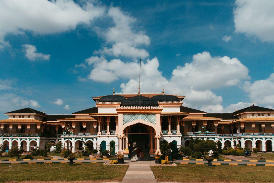 Indonesie Sumatra Medan Sultans Palace Maimun in Medan paleis