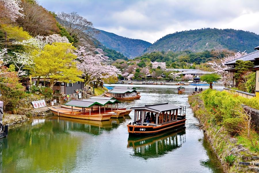Japan Kyoto Arashiyama Park boten