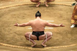 Sumo worstelen in Tokio
