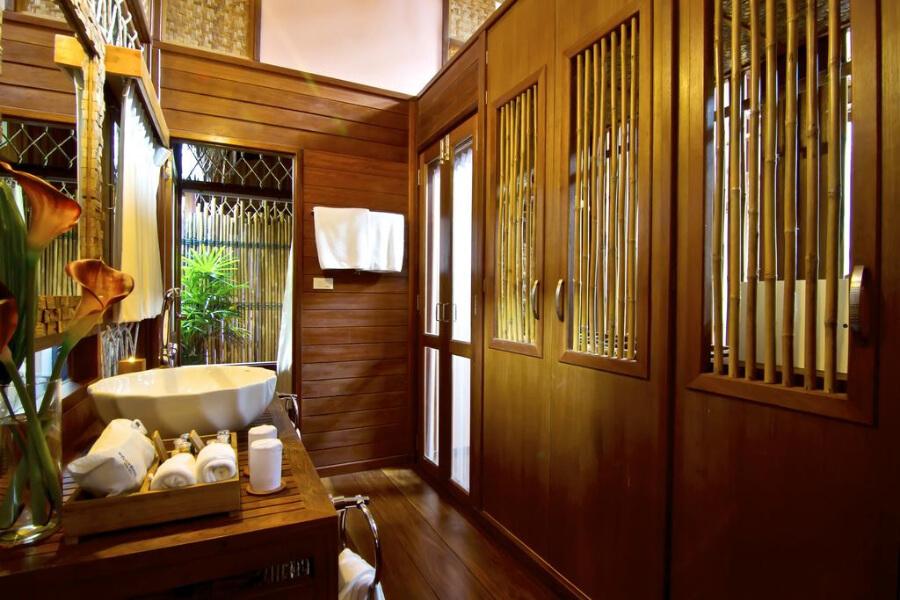 Kanchanaburi The Floathouse River Kwai Resort4
