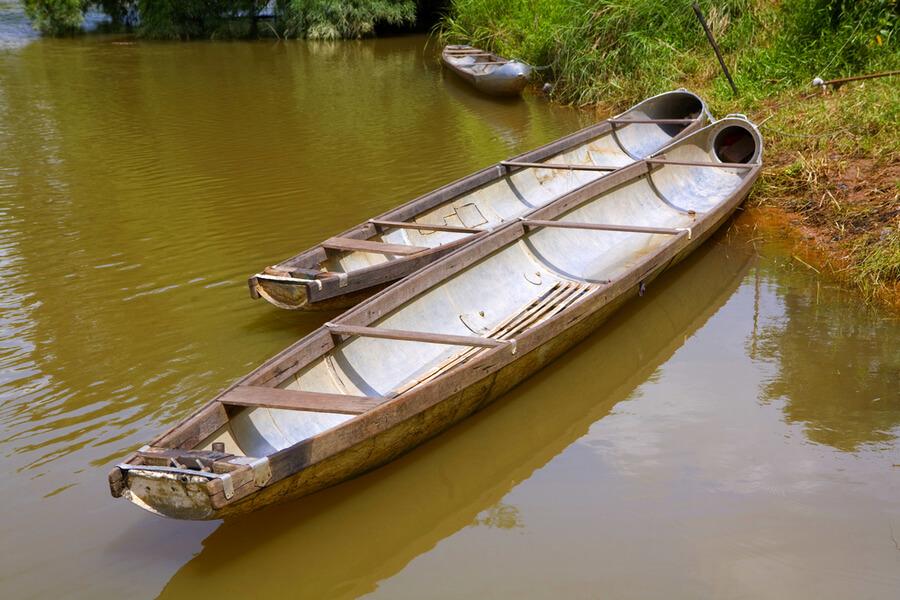 Laos Hin Boun Bomb boat bom boot