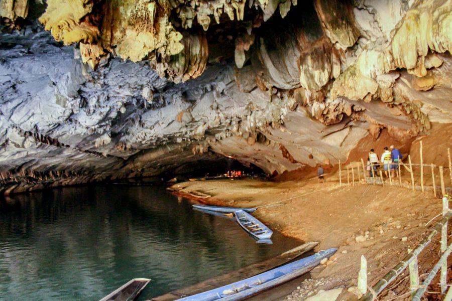 Laos Hin Boun Kong Lor Cave grot