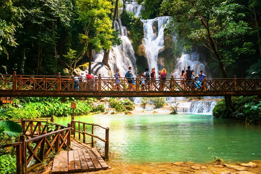 Laos Luang Prabang Kuang Si watervallen 1