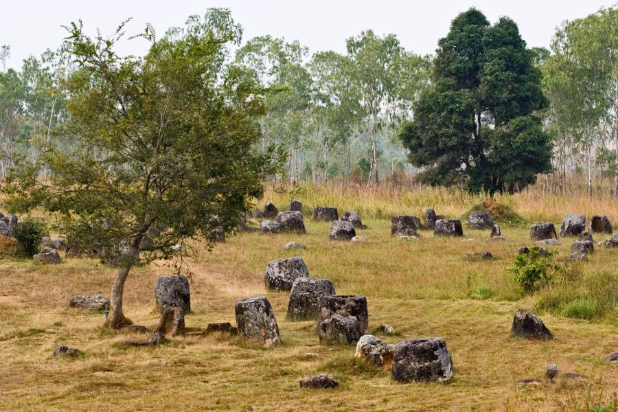 Laos Phonsavan Plain of Jars vlakte der kruiken 2