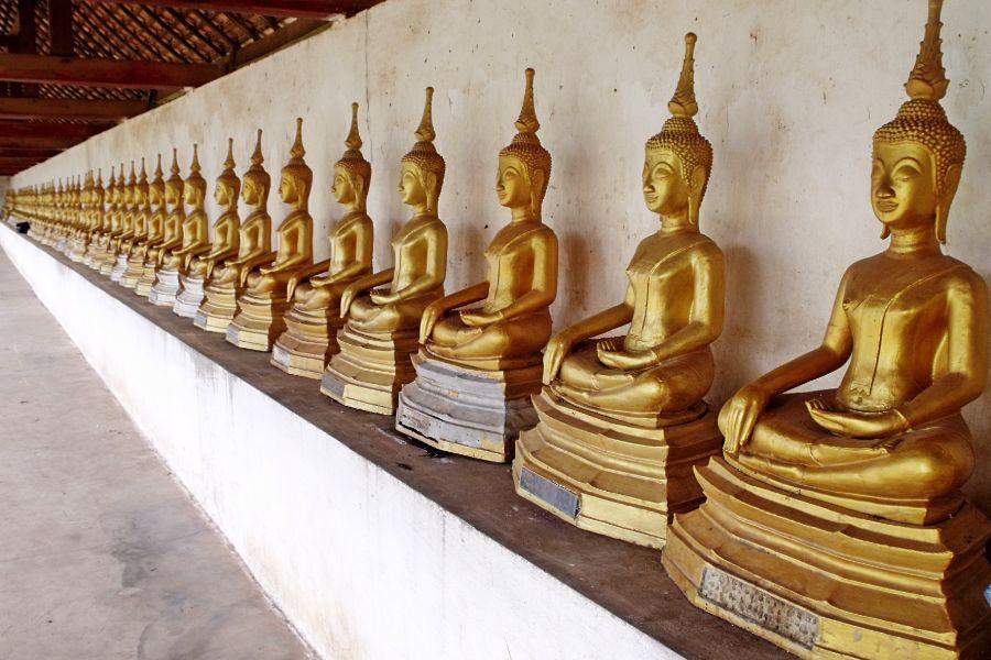 Laos Savannakhet Phra That Inghang stupa boedha