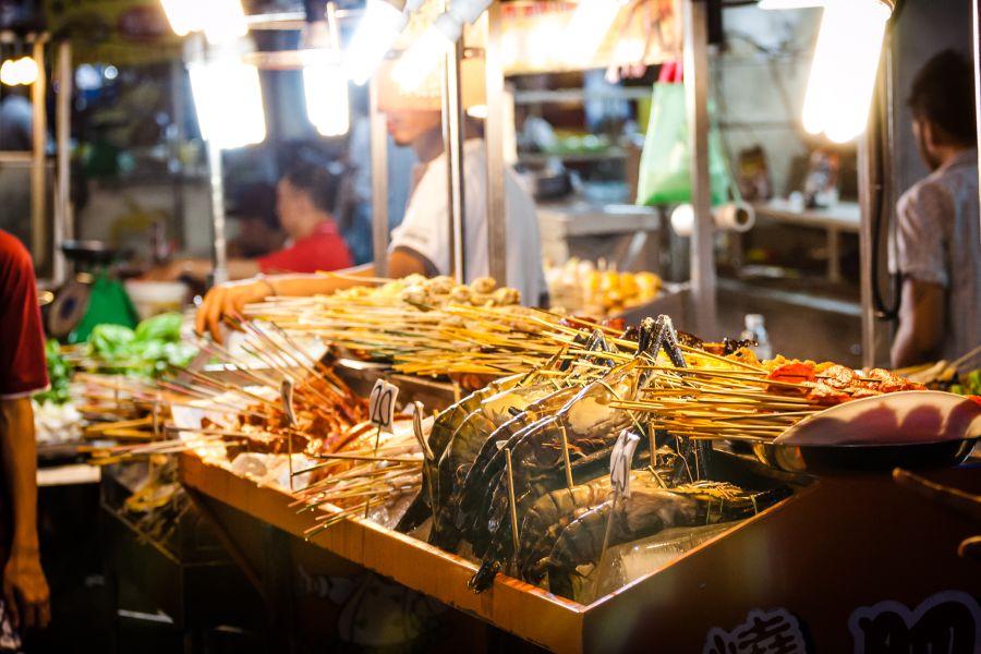 Maleisie Kuala Lumpur markt vis streetfood eten