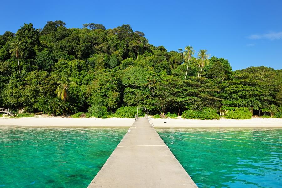 Maleisie Perhintians eilanden strand houten brug