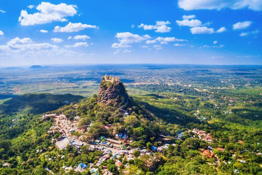 Myanmar Bagan Mount Popa vulkaan uitzicht