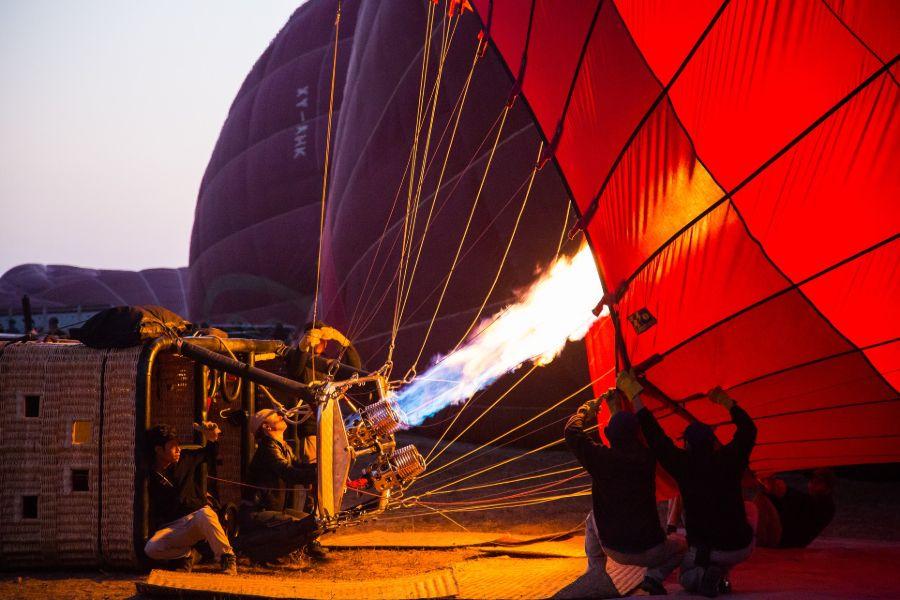Myanmar Bagan luchtballon tempels 4