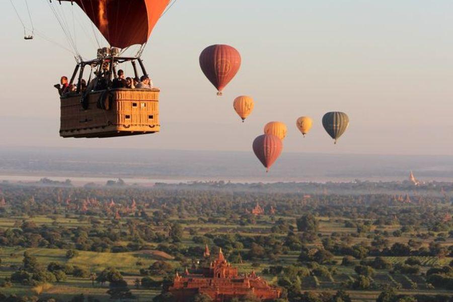 Myanmar Bagan luchtballon tempels uitzicht 2