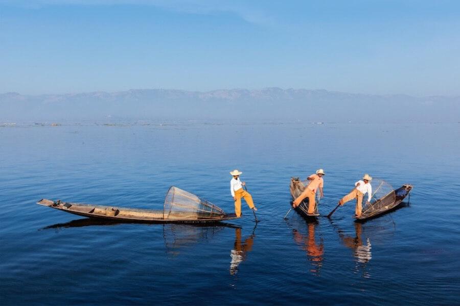 Myanmar Inle Lake vissers locals boten