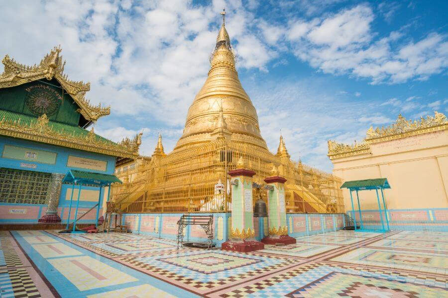 Myanmar Sone Oo Pone Nya Shin Pagode op Sagaing hill