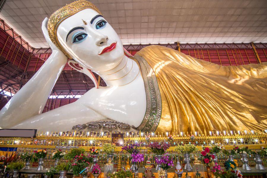 Myanmar Yangon Chauk Htat Gyi boeddha
