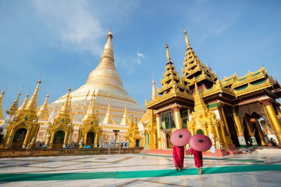 Myanmar Yangon Shwedagon pagode monniken
