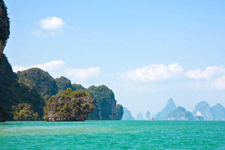Phang Nga james bond eiland thailand rots