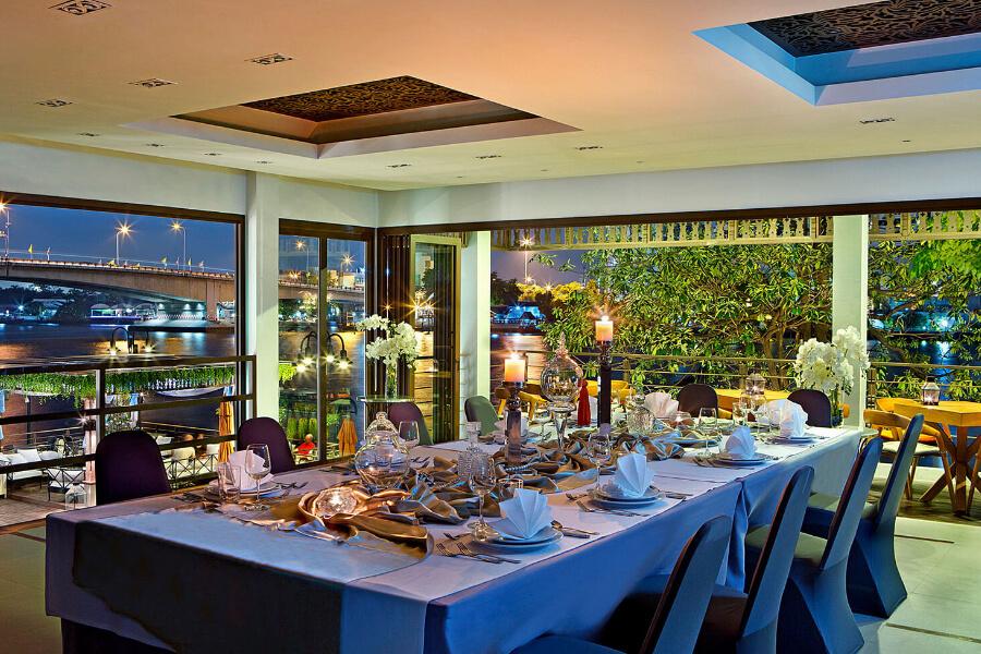 Thailand Bangkok Riva Surya Dinning