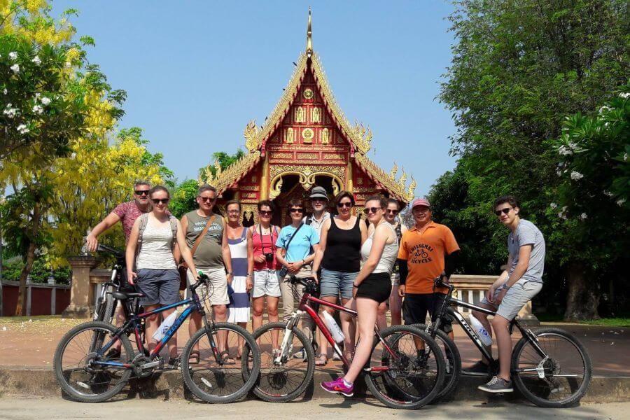 Thailand Chiang Mai fietstour tempel groep