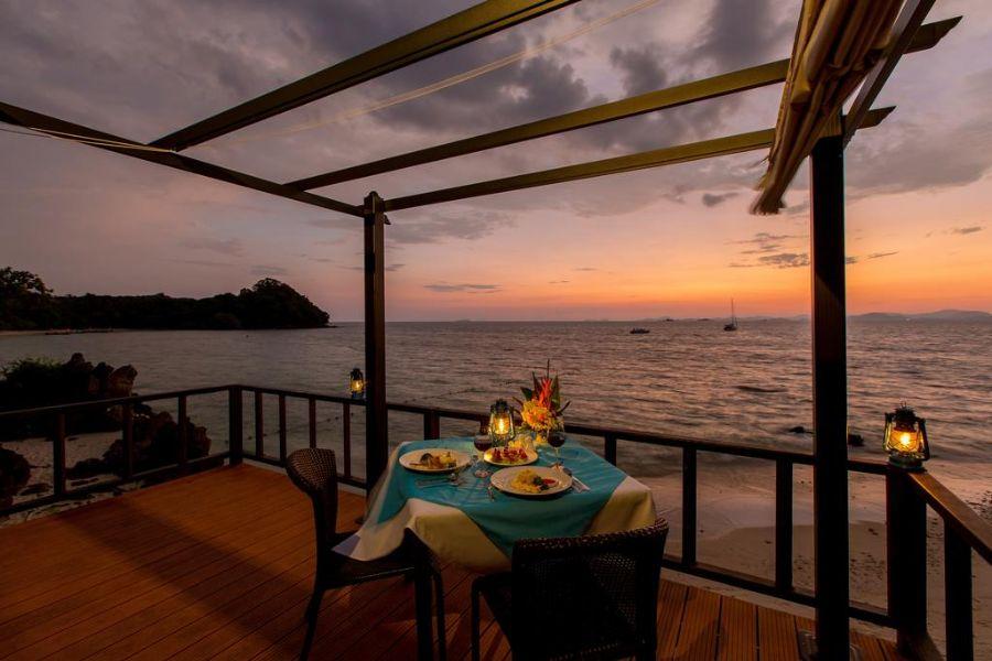 Thailand Koh Yao Yai GLOW Elixir dineren aan zee