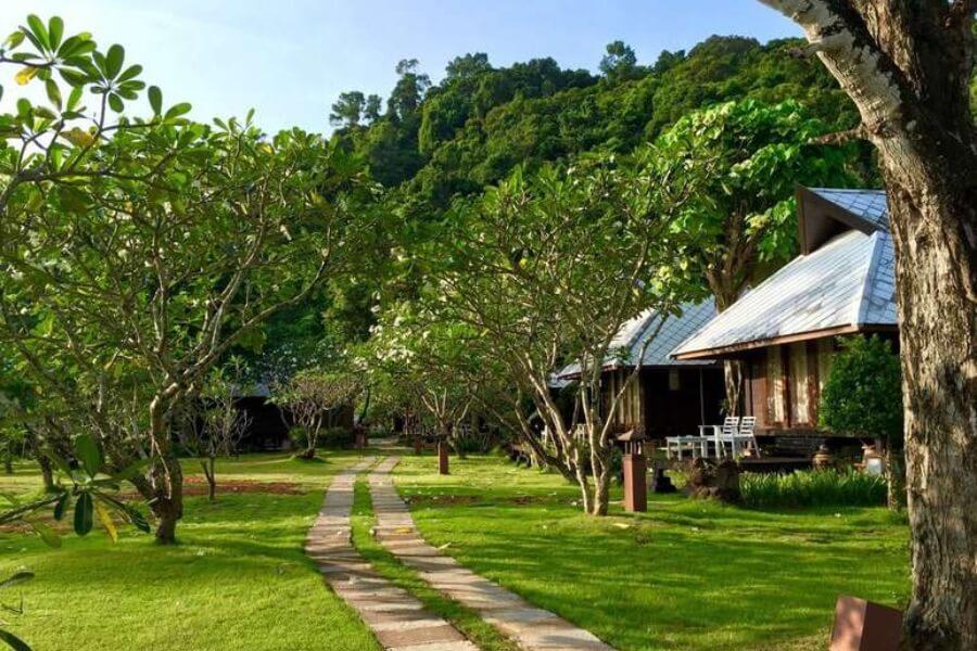 Thailand Trang Koh Ngai Thanya Beach Resort 16
