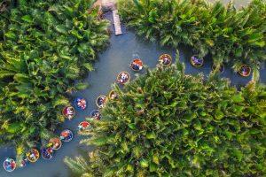 Leer varen in een bamboeboot (Hoi An)