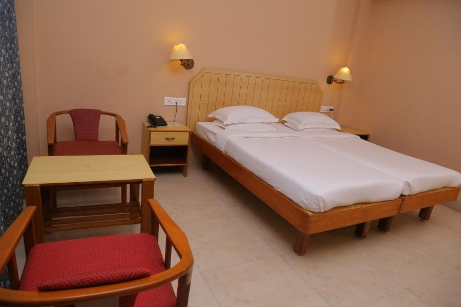 Hotel Surguru, Pondicherry