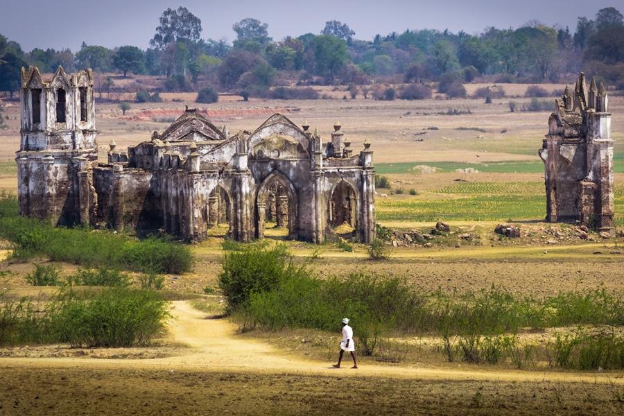 India Hassan Verlaten kerk
