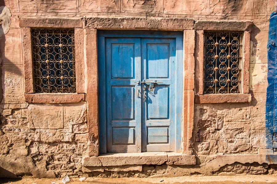 India Osian Blauwe deur