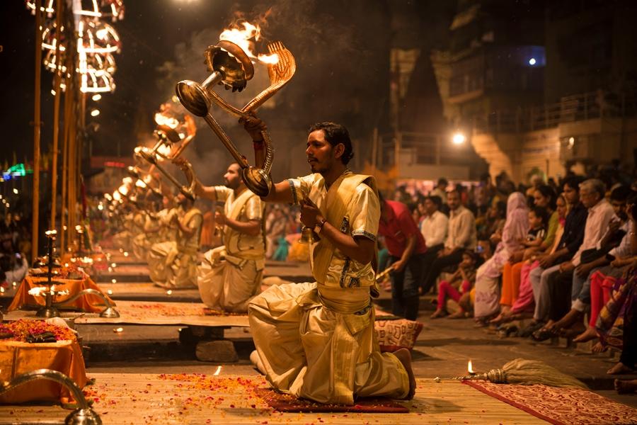 India Varanasi Ganga aarti ceremonie