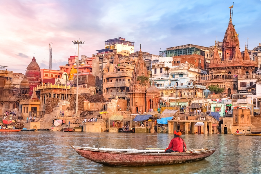 India Varanasi Ganges rivier heilig boot