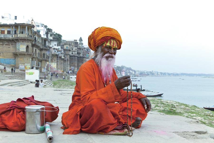 India Varanasi Sadhu Ghats heilige man
