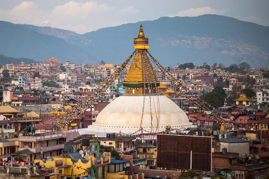 Nepal Kathmandu Boudhanath stupa tempel van bovenaf