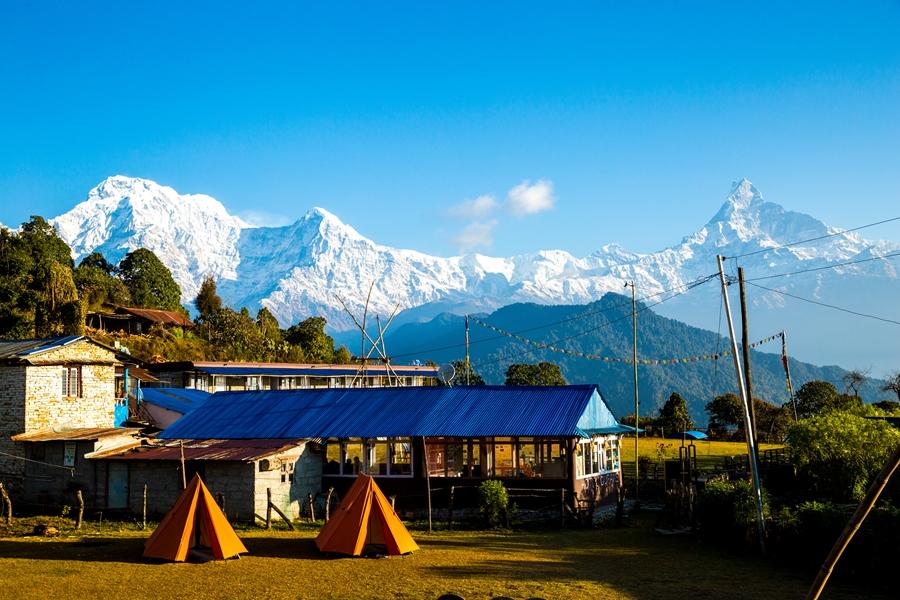 Nepal Pokhara Australian Camp uitzicht