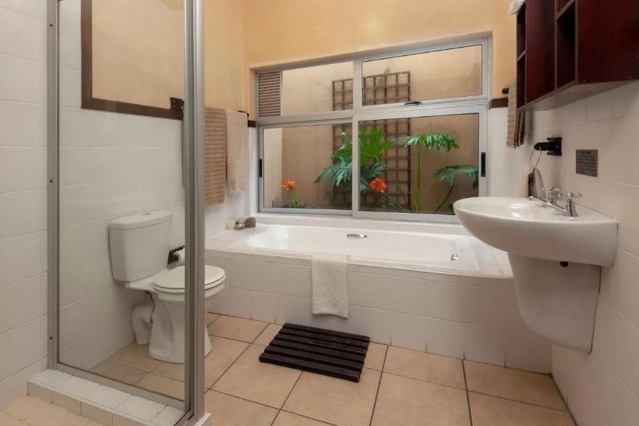Aloe Guest House Hermanus Zuid Afrika badkamer