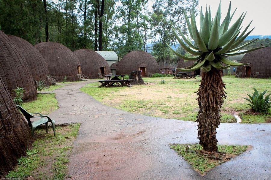 Beehive Village Mlilwane Zuid Afrika buitenkant